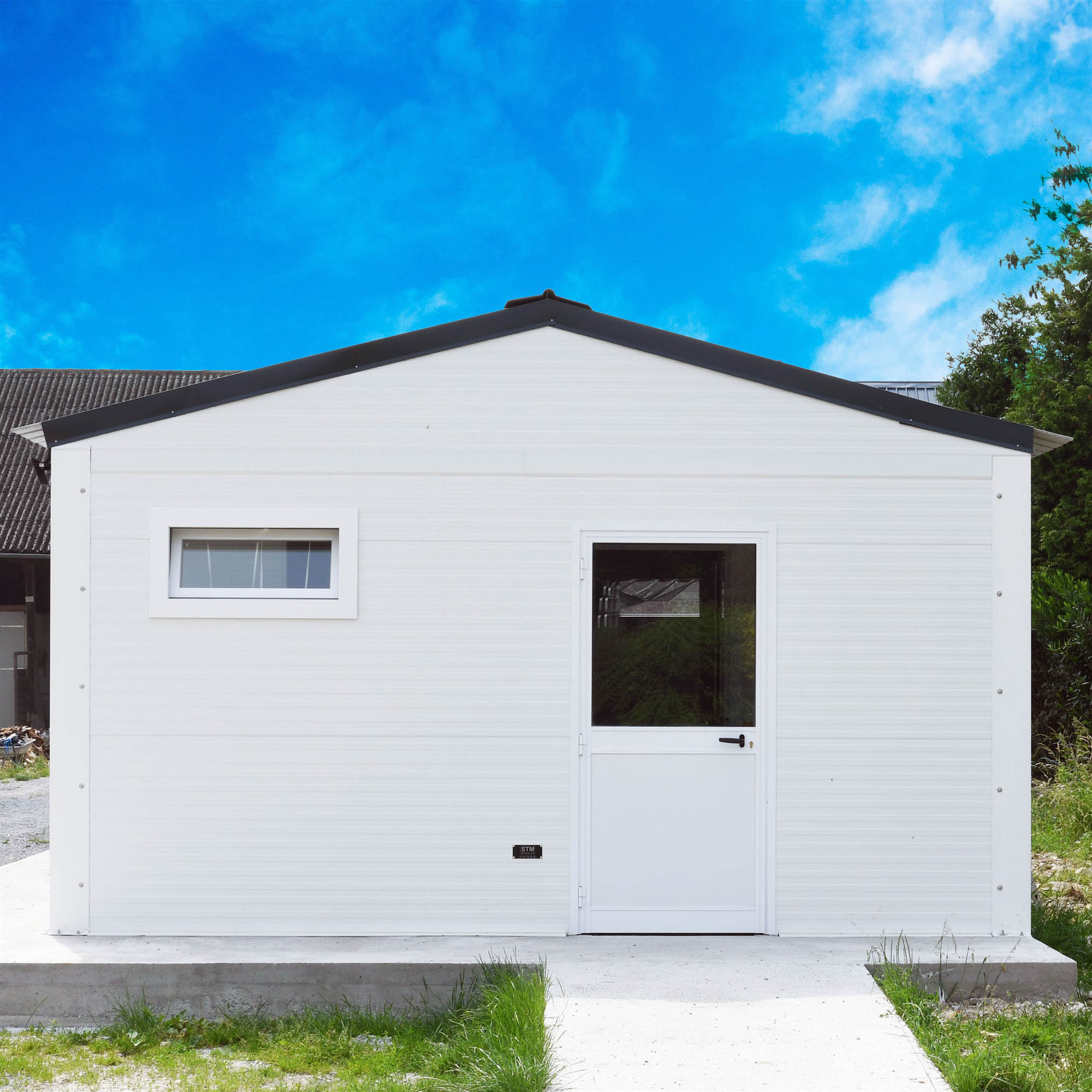 PREFABRICATED BUILDINGS AND MODULAR EXTENSIONS